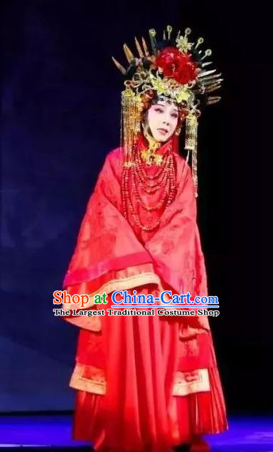 Chinese Cantonese Opera Hua Tan Garment Hua Yue Ying Costumes and Headdress Traditional Guangdong Opera Actress Apparels Diva Du Caiwei Young Beauty Red Dress