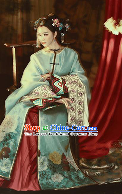 Chinese Traditional Qing Dynasty Noble Female Hanfu Dress Apparels Ancient Princess Consort Historical Costumes and Headpieces Complete Set