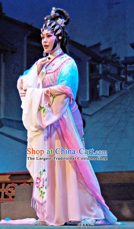 Chinese Cantonese Opera Diva Huo Xiaoyu Garment Story of the Violet Hairpin Costumes and Headdress Traditional Guangdong Opera Young Beauty Apparels Hua Tan Dress