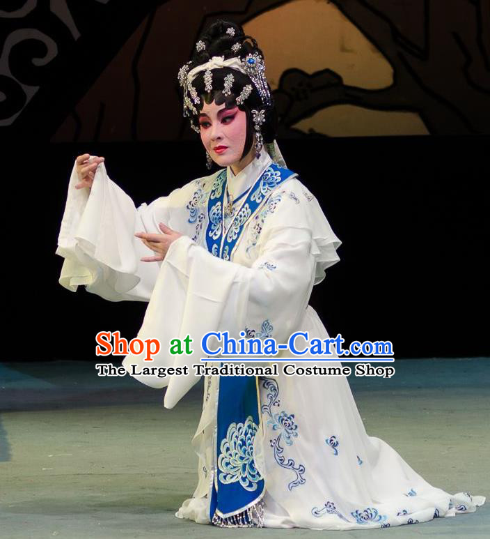 Chinese Cantonese Opera Young Beauty Garment Yuan Yang Sword Qin Huilan Costumes and Headdress Traditional Guangdong Opera Hua Tan Apparels Actress White Dress