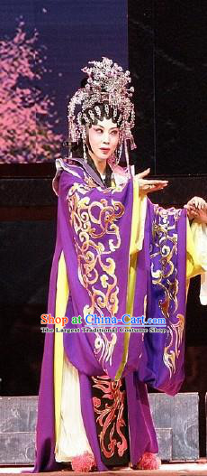Chinese Cantonese Opera Queen Garment Nan Yue Gong Ci Costumes and Headdress Traditional Guangdong Opera Actress Apparels Rani Dress