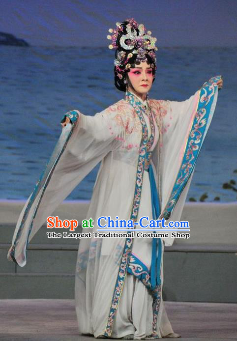 Chinese Ancient Imperial Consort Garment Three Kingdoms Period Beauty Costumes and Headdress Traditional Young Female Apparels Zhen Yuchan Dress