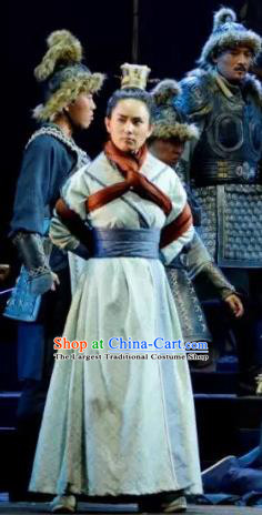 Chinese Traditional Northern Wei Dynasty Swordsman Apparels Costumes Historical Drama Bei Wei Feng Yang Ancient Prince Garment Young Male Clothing and Headwear