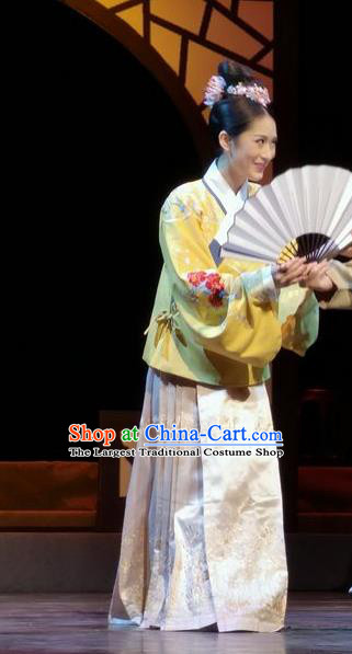 Chinese Historical Drama Peach Blossom Fan Ancient Courtesan Li Xiangjun Garment Costumes Traditional Stage Show Dress Ming Dynasty Young Beauty Apparels and Headpieces