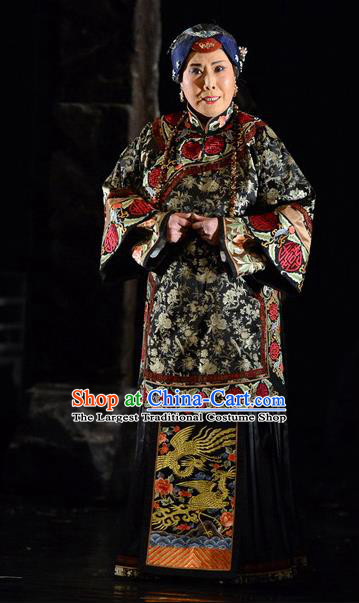 Chinese Hebei Clapper Opera Rich Dame Garment Costumes and Headdress Golden Lock Notes Traditional Bangzi Opera Elderly Female Dress Dowager Countess Apparels