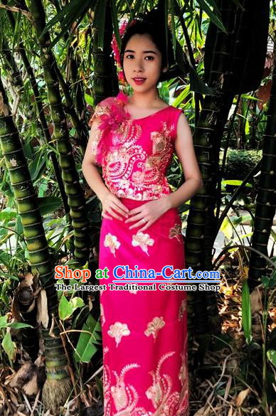 Traditional Chinese Dai Nationality Embroidered Rosy Outfit Costumes Dai Ethnic Dance Blouse and Straight Skirt with Tippet Veil
