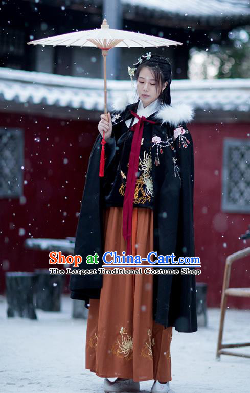 Chinese Ming Dynasty Embroidered Black Cloak Costumes Traditional Ancient Hanfu Garment Winter Woolen Cape for Women
