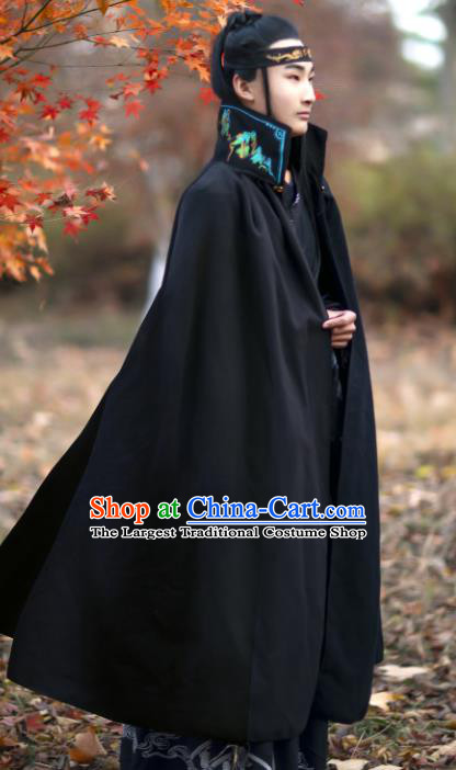 Traditional Chinese Cosplay Chivalrous Knight Black Woolen Cloak Costume Ancient Royal Prince Garment Swordsman Embroidered Cape for Men