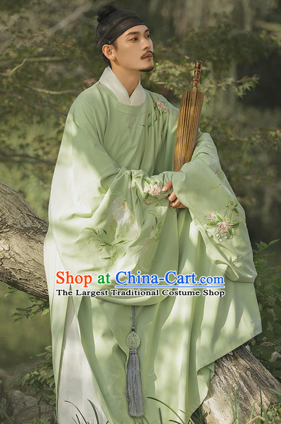 China Ancient Swordsman Embroidered Green Round Collar Robe Traditional Ming Dynasty Historical Hanfu Clothing for Men