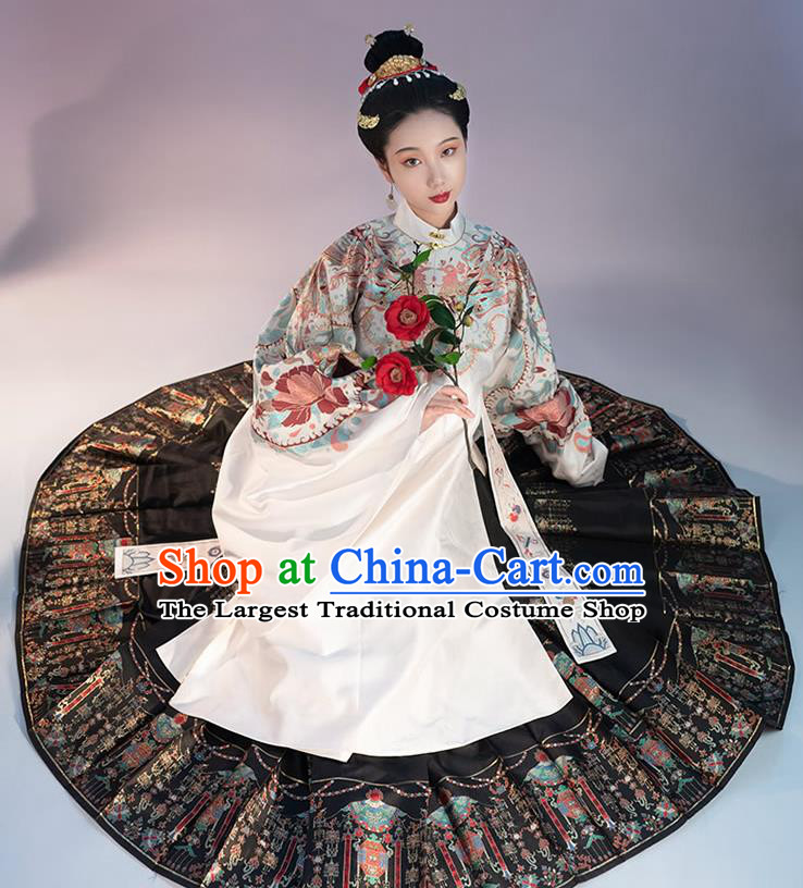 Traditional China Ming Dynasty Royal Countess Historical Clothing Ancient Noble Woman Costumes