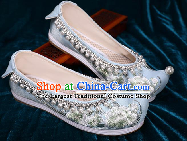 Chinese Ancient Princess Hanfu Pearls Shoes Traditional Embroidered Peach Blossom Shoes Handmade Blue Satin Shoes