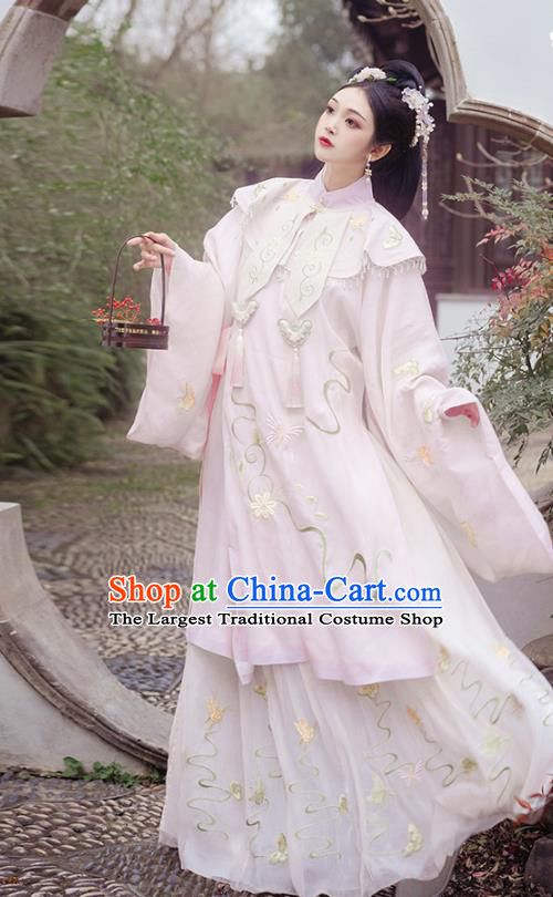 China Ancient Ming Dynasty Patrician Female Costumes Traditional Hanfu Apparels Court Embroidered Clothing