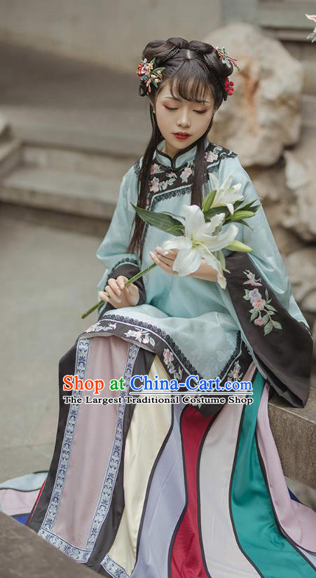 China Traditional Qing Dynasty Rich Female Embroidered Clothing Ancient Patrician Lady Historical Costumes
