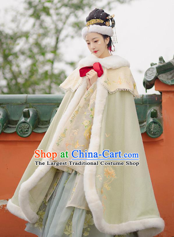 China Ancient Young Mistress Hanfu Clothing Traditional Ming Dynasty Noble Women Embroidered Cloak