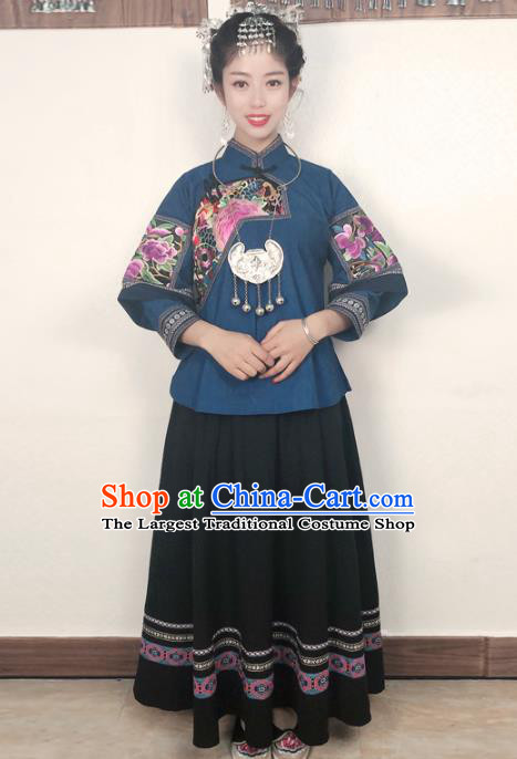 Chinese Hmong Nationality Folk Dance Dress Minority Stage Show Clothing Miao Ethnic Woman Costume and Hair Accessories