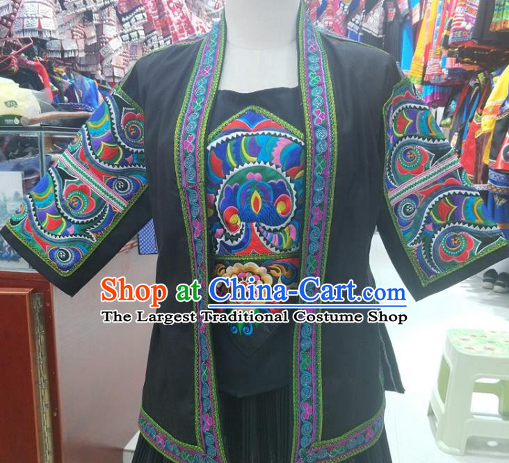 Chinese Ethnic Folk Dance Costumes Traditional Guizhou Miao National Minority Stage Performance Embroidery Clothing