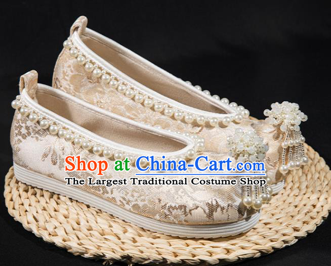 China Ancient Princess Pearls Tassel Shoes Traditional Ming Dynasty Hanfu Shoes Handmade White Satin Shoes