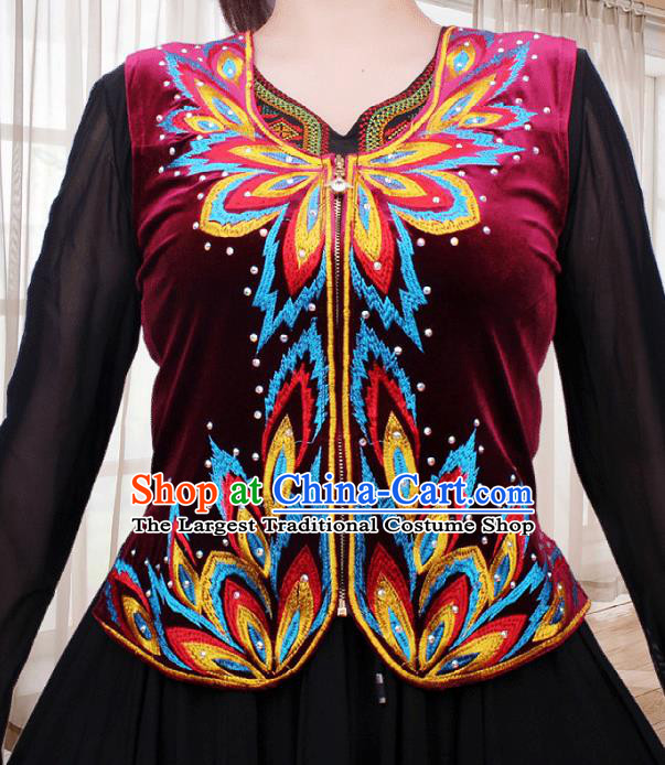 China Traditional Uygur Nationality Folk Dance Waistcoat Clothing Xinjiang Ethnic Woman Wine Red Velvet Vest