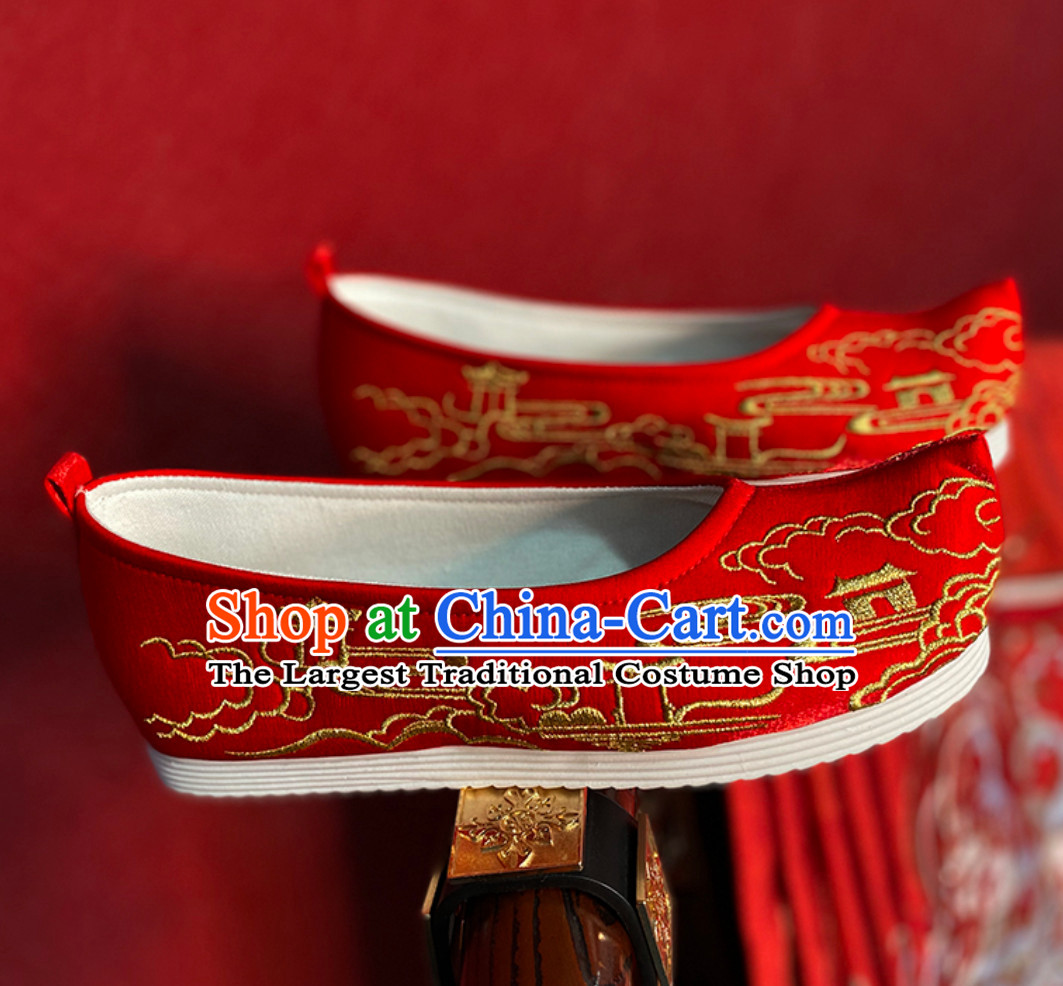 Lucky Red Chinese Classical Handmade Embroidered Ancient Building Hanfu Shoes Han Fu Footwear for Men or Women