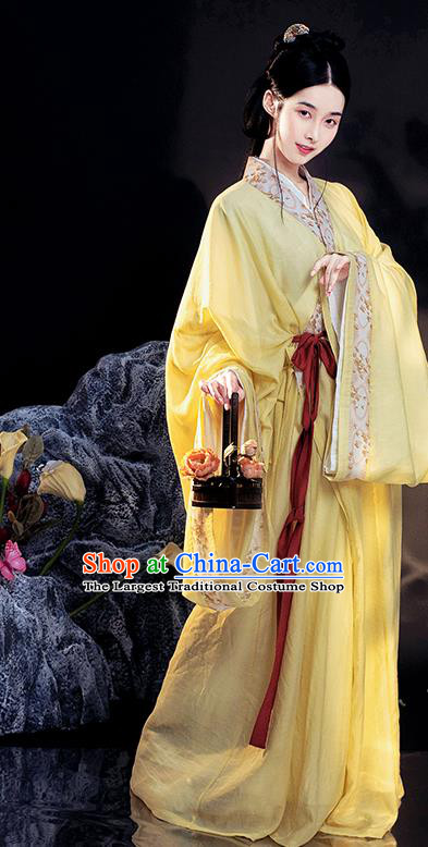 China Traditional Jin Dynasty Palace Lady Historical Clothing Ancient Young Beauty Yellow Hanfu Dress